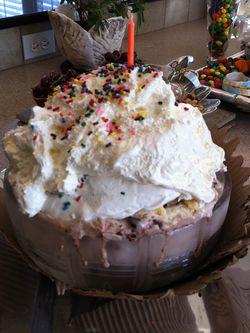 Cupcake ice cream cake